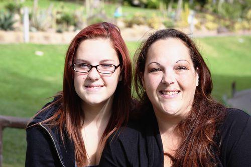 Amber & Sarah 0250