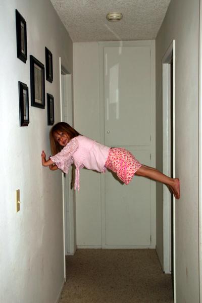 Emi_climbing2